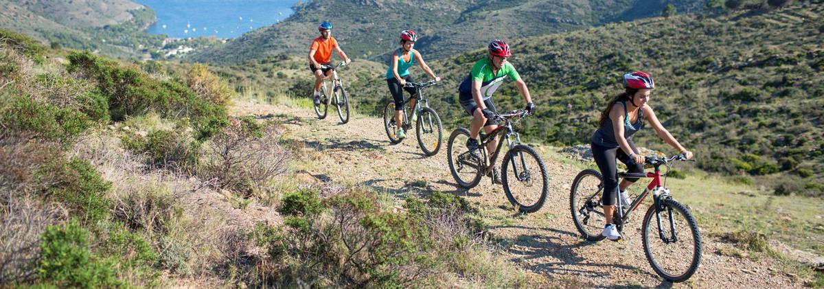 sldier-Mountaing-bike-next-to-the-Mediterranean-521455165_5760x3840
